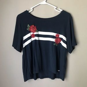 blue white & red hollister crop top w/roses